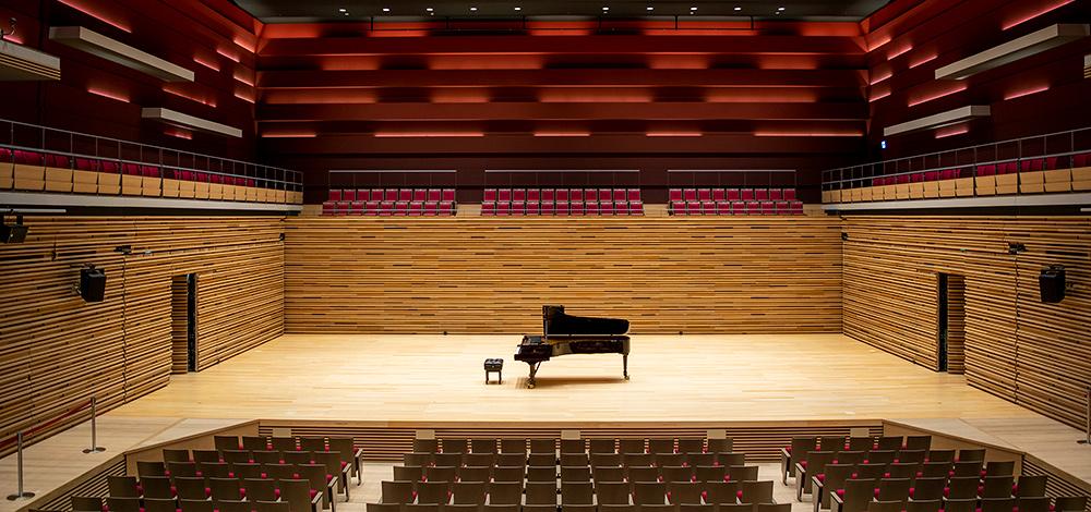 さいき城山桜ホール 大ホール写真